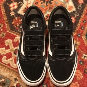 Men's vans Velcro classics size 10.5